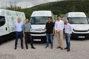 """Společnost Iveco předává vozidla Daily společnosti Diana Company, spol. s r. o. """"Svět Oříšků"""""""